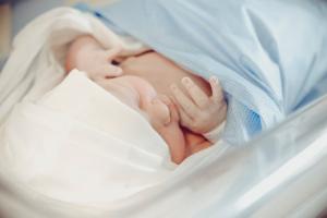 Iată cum pandemia a schimbat modul de a naște